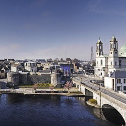 Panorama showing Roscommon side of Athlone