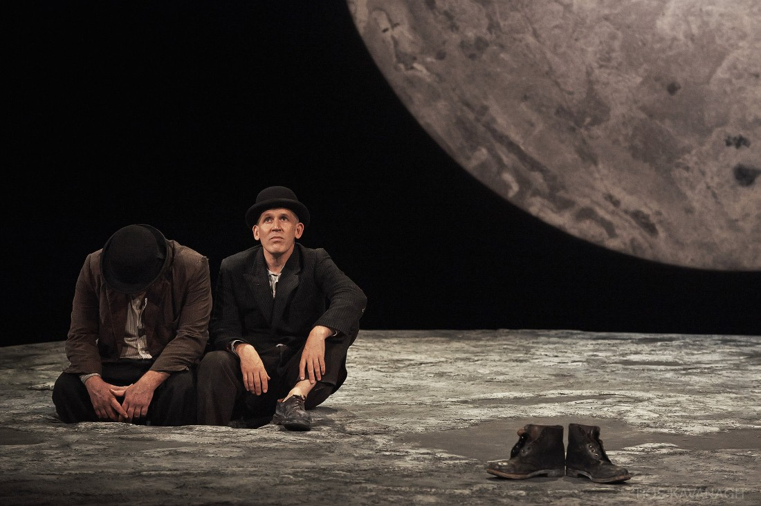 Perfomance image, Estragon and Vladimir