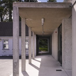 Rosmuc School view of covered walkway showing through to landscape